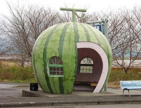 Abribus, Pastèque, Japon