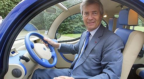 Le groupe Bolloré mettra à disposition des Parisiens des voitures électriques louées 5 euros la demi-heure (ici Vincent Bolloré dans une BlueCar)