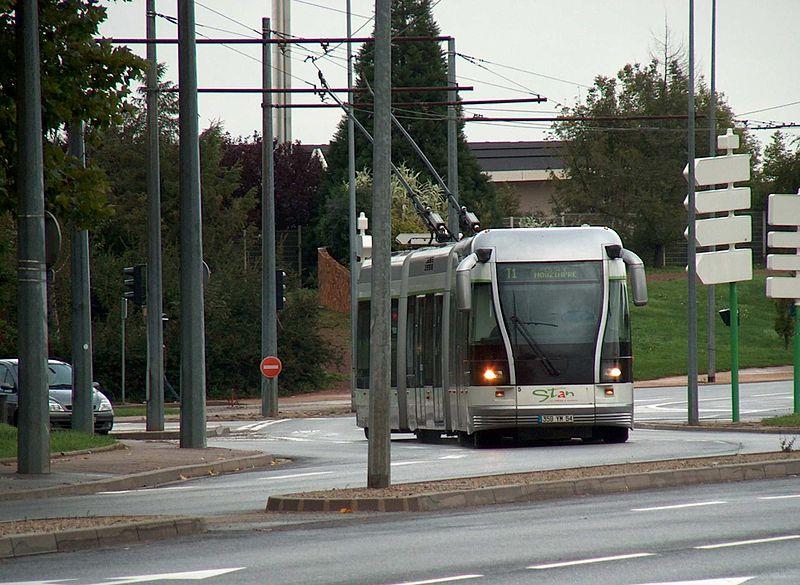 """Le Tramway sur pneu, une """"invention inutile"""" selon la FNAUT"""