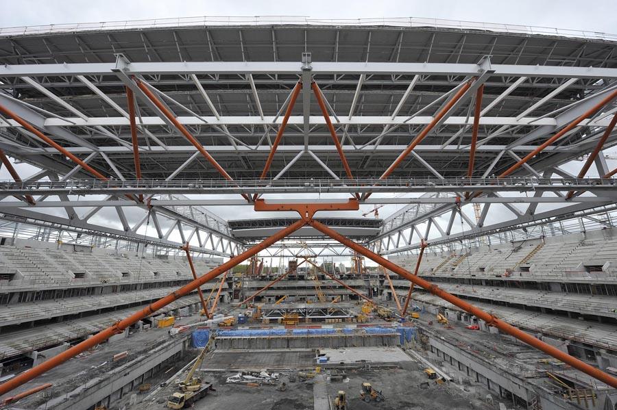 Hissage de la toiture du Grand Stade de Villeneuve d'Ascq © Max Lerouge