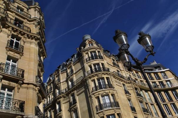 Un immeuble luxueux français.