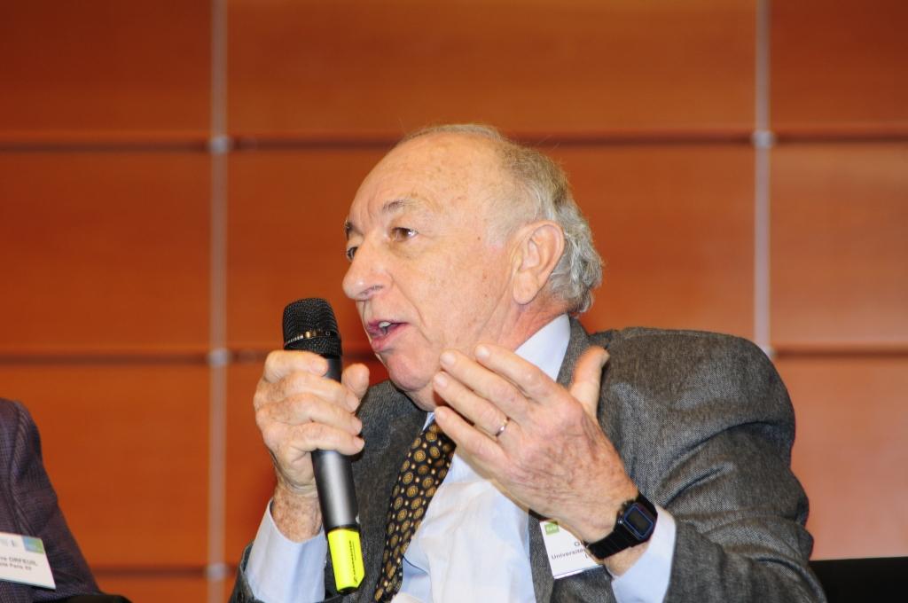 Guy Burgel, professeur à l'Université Paris Ouest-Nanterre La Défense auteur de Pour la ville, Ed. Créaphis.