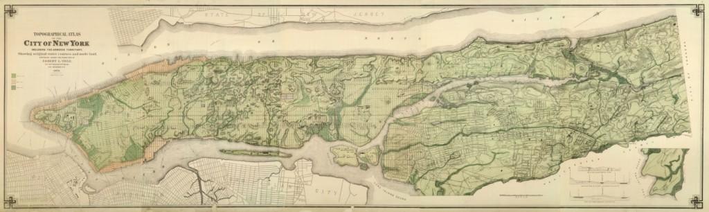 L'île de Manhattan et sa topographie. En marron, les polders gagnés au sud sur l'Hudson et la mer.