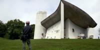Appel à sécuriser la chapelle de Le Corbusier vandalisée