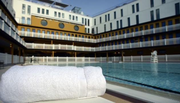 La piscine molitor ou l ind cence architecturale for Piscine molitor prix