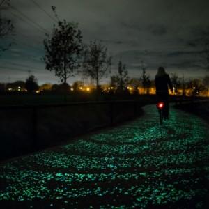 Une Piste Cyclable Phosphorescente aux Pays-Bas - Studio Roosegaarde
