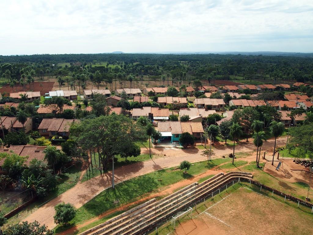 Le quartier coopératif Aveiro, au Paraguay vu depuis son château d'eau, 2014. Crédits photo : Habitat en Mouvement