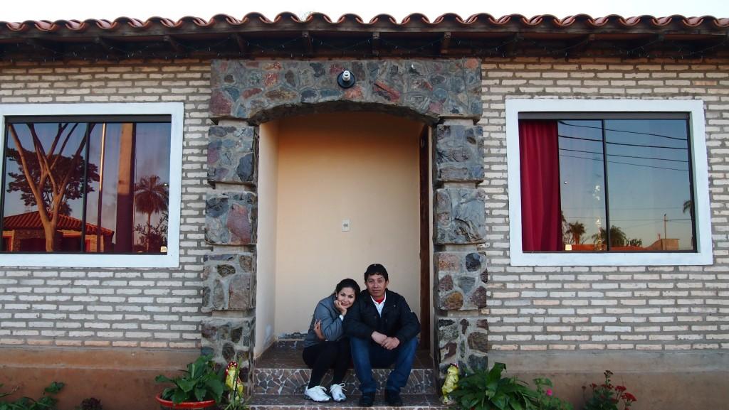 Des habitants de la coopérative Reina de la Cordillera, à Caacupe, Paraguay, 2014. Crédits photo : Habitat en Mouvement