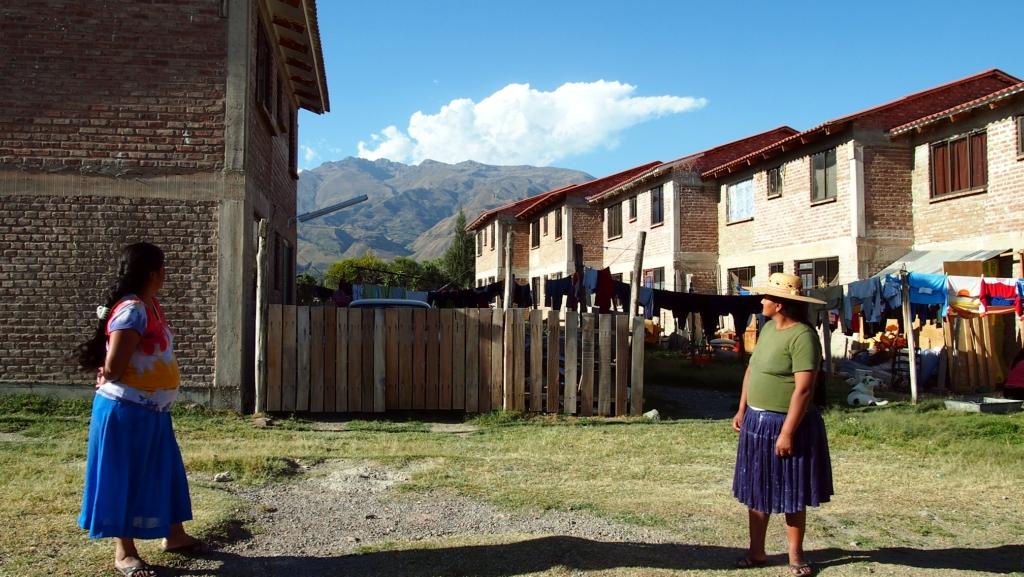 La coopérative COVISEP à Cochabamba, en Bolivie, de type uruguayen jusqu'aux briques, 2014. Crédits photo : Habitat en Mouvement