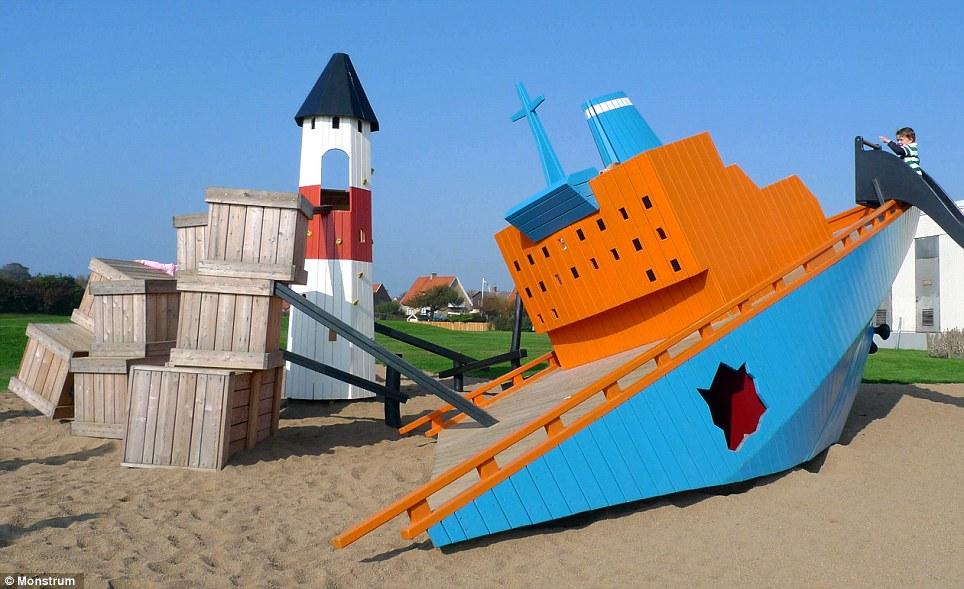 The Cargo Ship in Höganäs - Monstrum