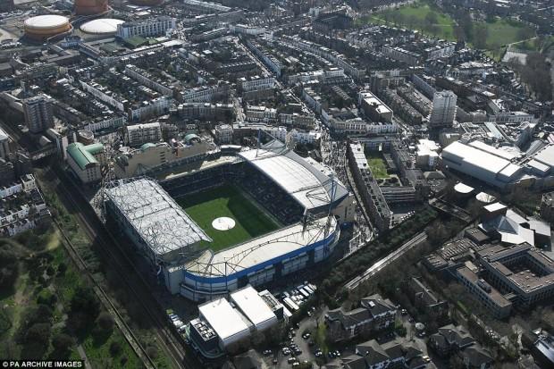 Aujourd'hui, le stade Stamford Bridge de Chelsea ressemble à ça. / © Archives PA