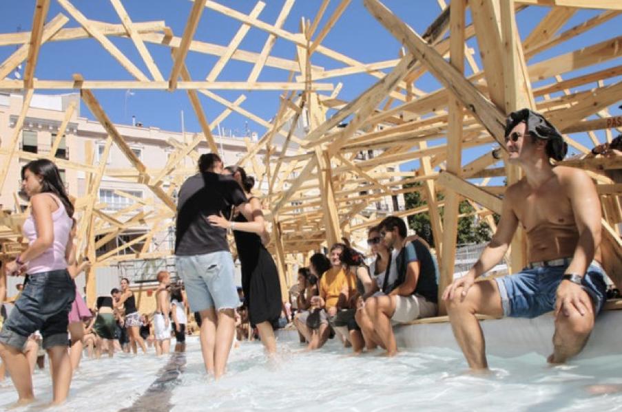 « Isla Ciudad », une installation éphémère conçue par le collectif EXYZT