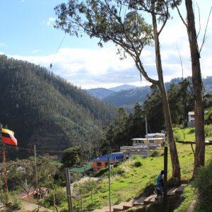Le quartier Bolaños en contrebas de l'autoroute, à 2km de Quito, de l'autre côté du tunnel Guayasamín