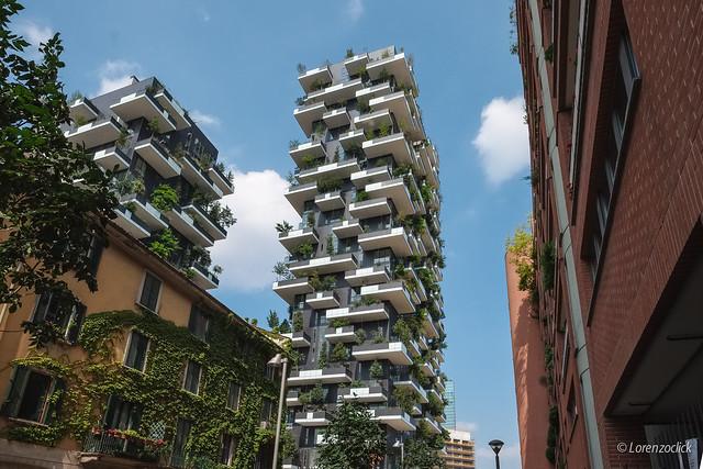 Milan - Bosco Vertical - Flickr - @Lorenzoclick
